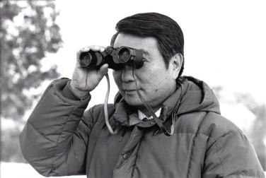 800px-Binoculars_(PSF)