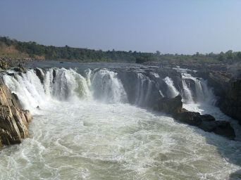800px-Bhedaghat_Water_Fall